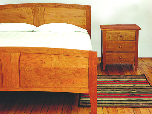 Cherry Pond Cambridge Bed Frame And 3 Drawer End Cabinet In Cherry
